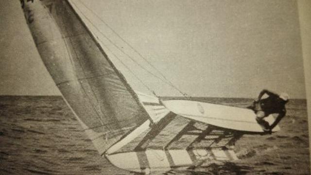 Aprender a navegar con patín a vela catalán