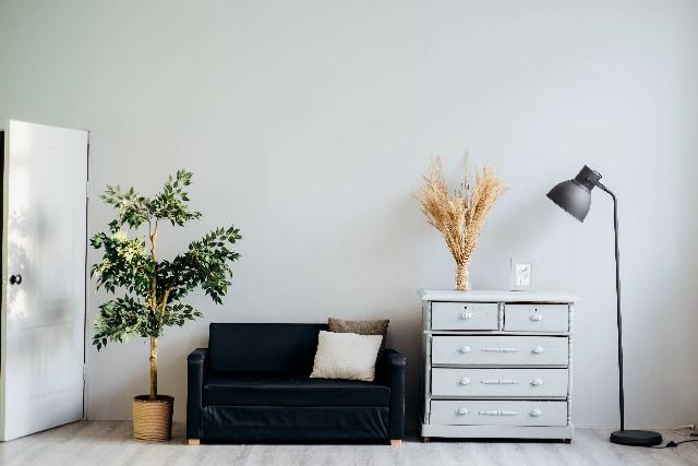 habitación con muebles
